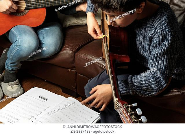 Private guitar lesson at home. UK