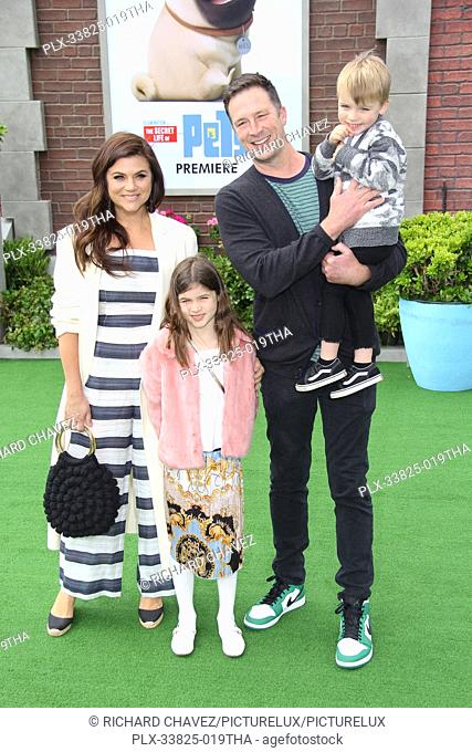 "Tiffani Thiessen, Brady Smith and children Holt Fisher Smith and Harper Renn Smith at the Universal Pictures Premiere of """"The Secret Life Of Pets 2"""""
