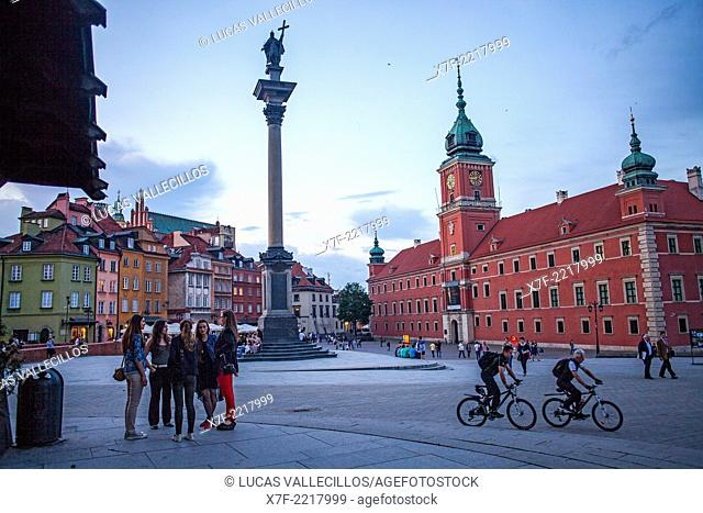 Plac Zamkowy square, The Royal Castle and Zygmunt column, Warsaw, Poland