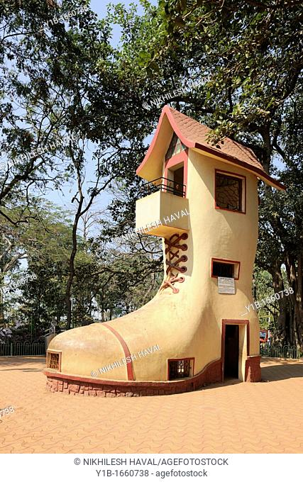 boot house shoehouse Kamala Nehru Park Mumbai