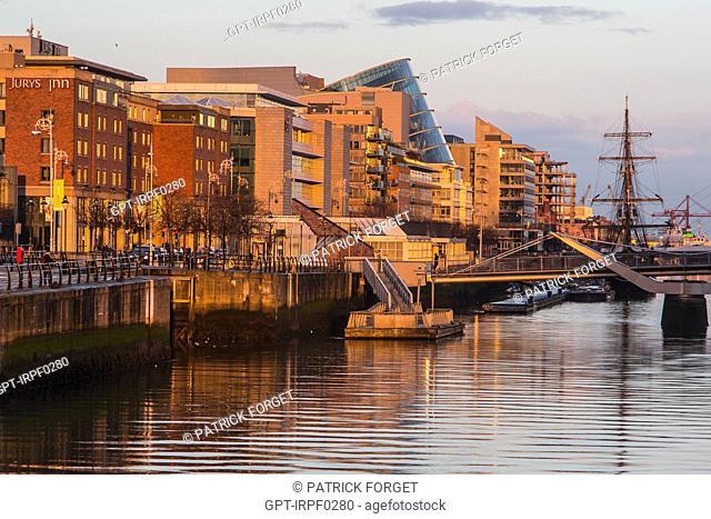 THE NEW NEIGHBOURHOOD OF THE DOCKS ON THE RIVER LIFFEY, SAMUEL BECKETT BRIDGE, CUSTOM HOUSE QUAY, DUBLIN, IRELAND