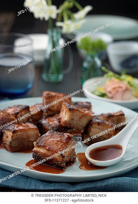 Crispy diced pork belly with teriyaki sauce (Asia)