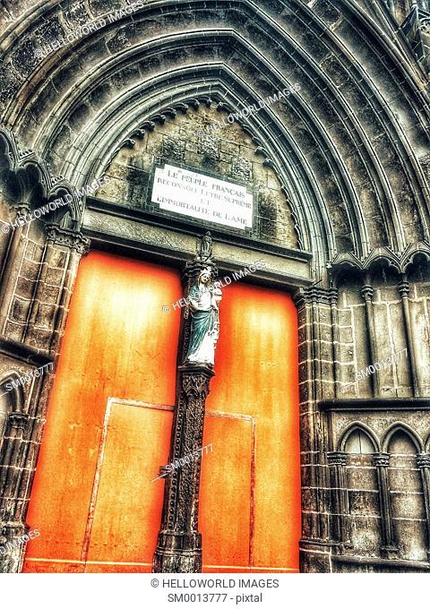 St Pierre-les-Minimes Church, Place Jaude, Clermont Ferrand, Auvergne, France, Europe