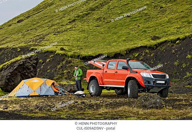 Customised SUV at remote camp on the Icelandic highlands, Hungurfit, Fjallabak, Iceland