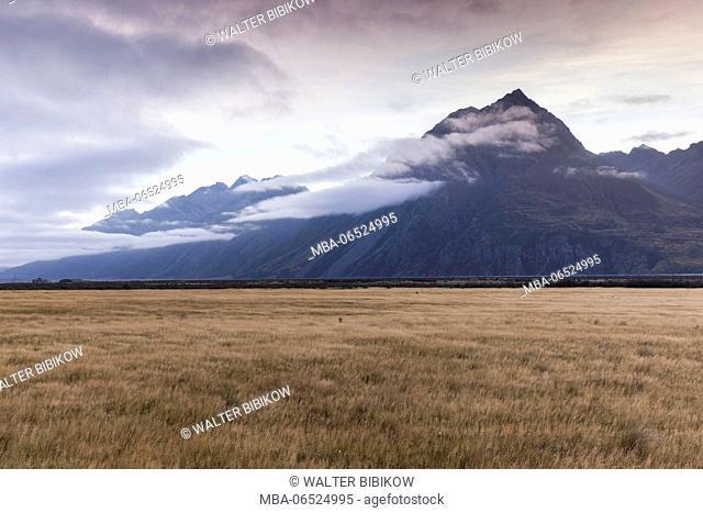 New Zealand, South Island, Canterbury, Aoraki-Mt. Cook National Park, Mt. Cook, dawn