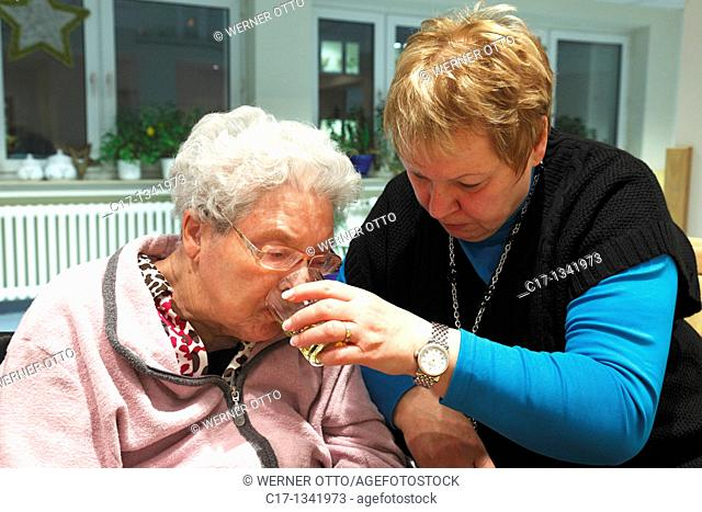people, physical handicap, old age, retirement home, Altenzentrum der St  Clemens Hospitale in Sterkrade, older woman, aged 70 to 85 years, dementia illness