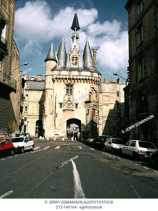 Porte Cailhau (Cailhau Gate). Bordeaux. France