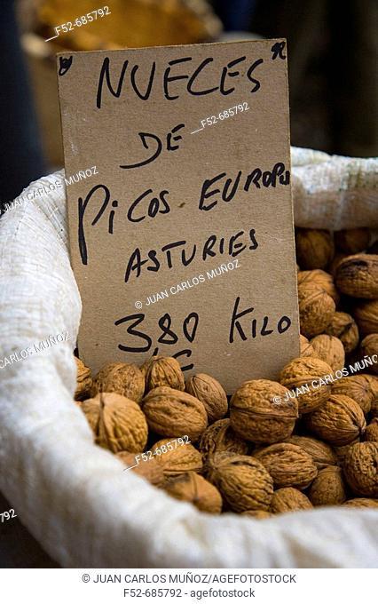 Nuts. Market. Cangas de Onís. Picos de Europa. Asturias. Spain