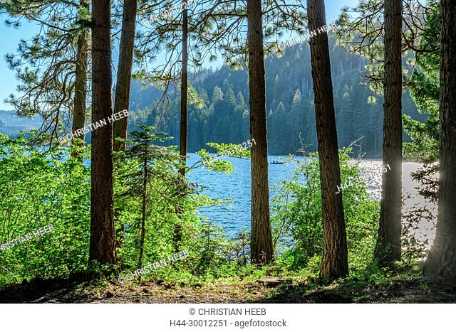 USA, North America, Pacific Northwest, Cascades, Oregon, Suttle Lake Lodge