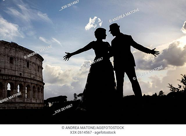 Couple at the roman Colosseum. Rome. Italy