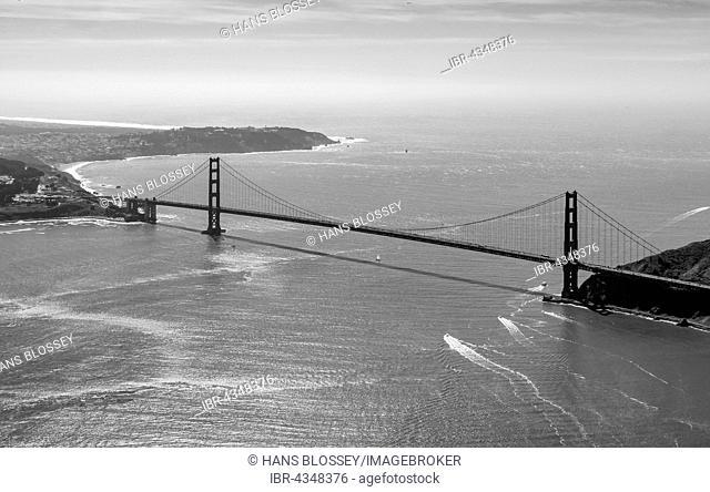 Aerial view, Golden Gate Bridge as seen from the Bay Area, San Francisco, San Francisco Bay Area, California, USA