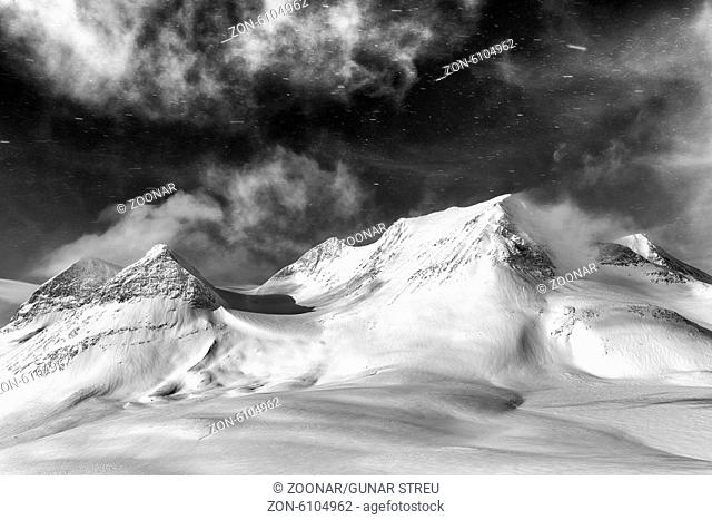 skiers on tour, Stuor Reaiddavaggi, Lapland