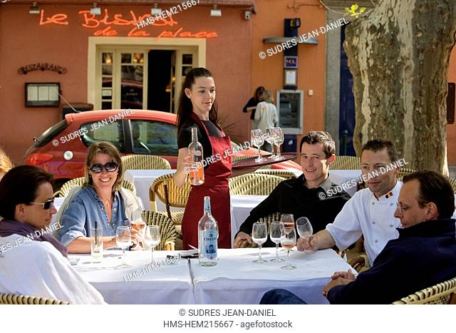 France, Haute Corse, Balagne region, L'Ile Rousse, Le Bistrot de la Place, place Paoli, Bertrand Lepercq and his chef Cedrik Duller at the terrace