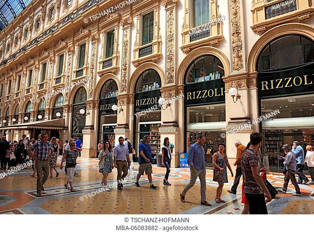 Italy, Milan (city), city centre, the Galleria Vittorio Emanuele II, shopping centre, Rizzoli, passersby