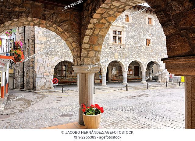 Main Square. Bielsa. Huesca province. Aragón. Spain