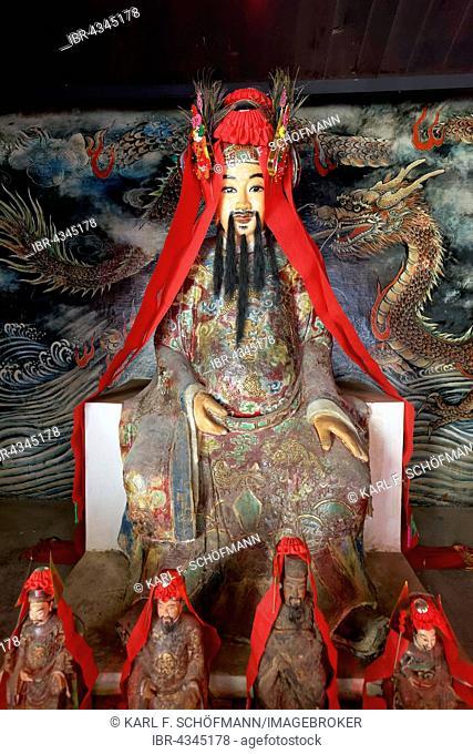Statue of the Chinese Holy Hung Shing, Hung Shing or Tai Wong Temple, Ping Shan Heritage Trail, Hang Mei Tsuen, Yuen Long District, New Territories, Hong Kong