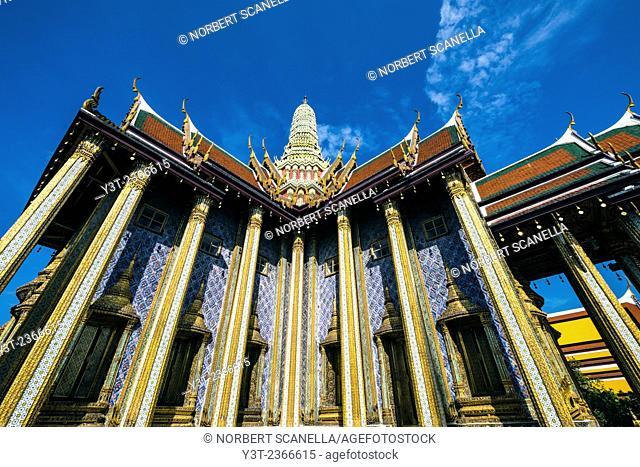 Asia. Thailande, Bangkok. Wat Phra Kaew complex, King's palace, Phra Mondop