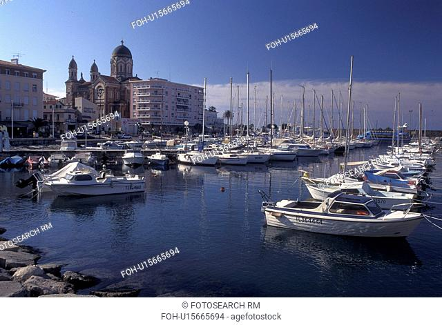 France, St. Raphael, Cote d' Azur, Provence, Var, Europe, Boats docked at the marina in the harbor of Saint Raphael on the Mediterranean Sea
