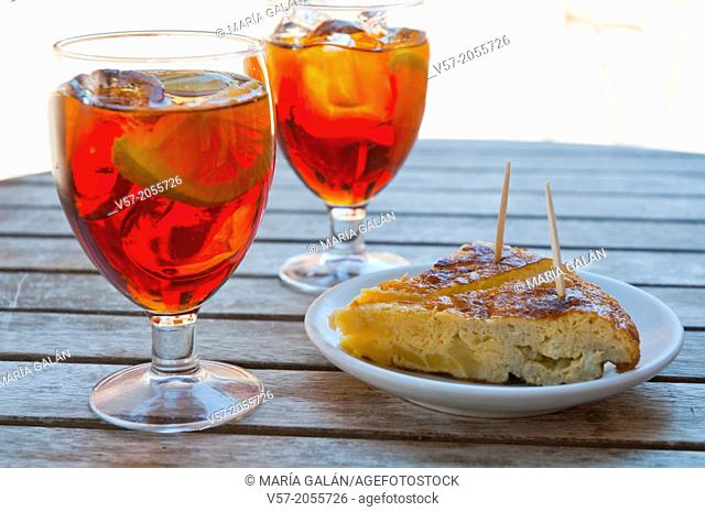 Spanish aperitif: vermouth and tapa of Spanish omelet, close view. Spain