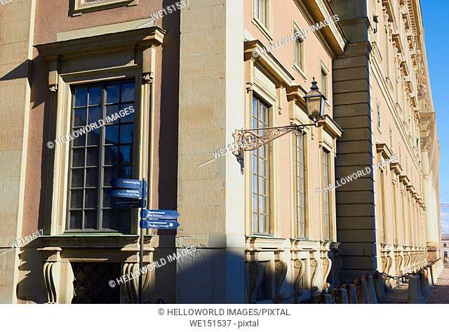 Royal Palace (Kungliga Slottet) and tourist signs, Gamla Stan, Stockholm, Sweden, Scandinavia