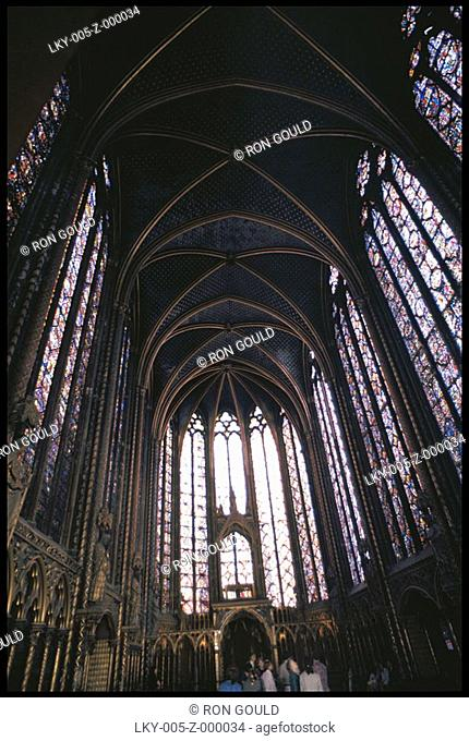 Low angle shot of St  Chappelle church in Paris