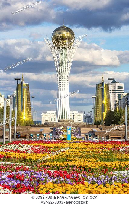 Kazakhstan, Astana City, New Administrative City, Nurzhol Bulvar, Bayterek Monument