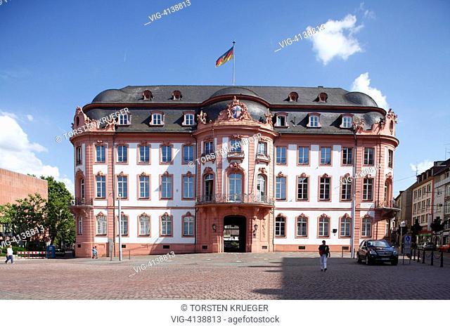 Mainz : Palais Osteiner Osteiner Hof am Schillerplatz, Standortkommandantur der Bundeswehr