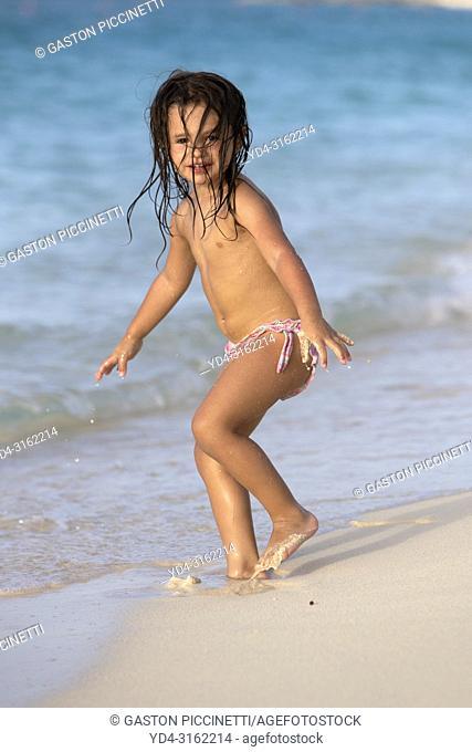 Child in the beach, Cabbage Beach, New Providence Island, Paradise Island, Bahamas