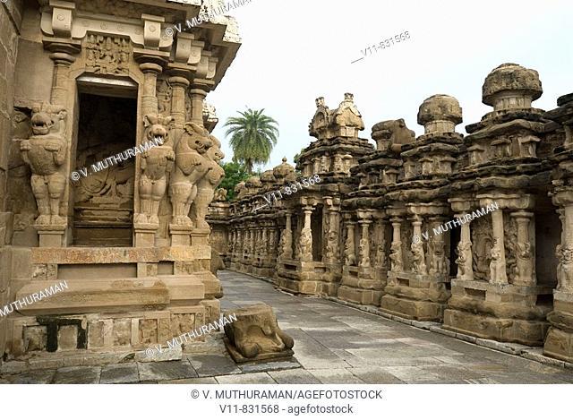The Kailasanatha temple in Kanchipuram near Chennai, Tamil Nadu, India. It was built by Pallava King Narasimhavarman II (Rajasimhan) and his son Mahendra in the...