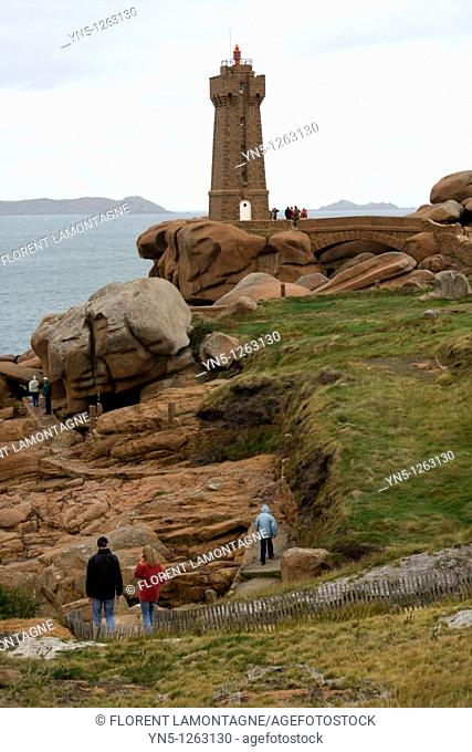 France, Bretagne, Cotes d'Armor, Perros Guirec, Ploumanach, Rose Granite's coast 'Cote de granit rose'