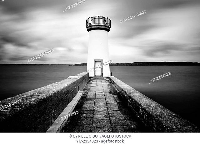 Lighthouse, Camaret-sur-Mer, Crozon Peninsula, Finistere, Brittany, France