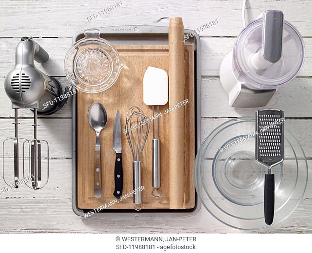 Kitchen utensils for making traybakes