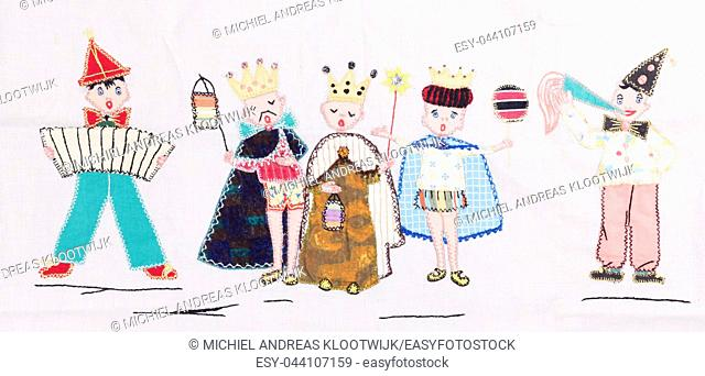 Old handmade textile - Party with a king, queen and prince - Vintage piece
