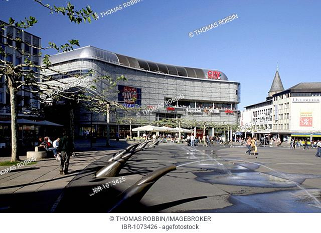 Koenigsplatz Square and City Point shopping centre, Kassel, Hesse, Germany, Europe