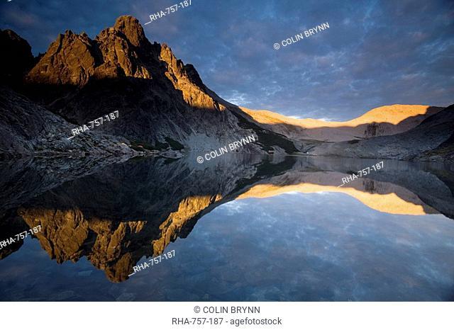 Laguna Negra, Nahuel Huapi National Park, Rio Negro, Argentina, South America