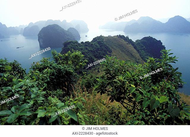 Vietnam, Landscape; Ha Long Bay