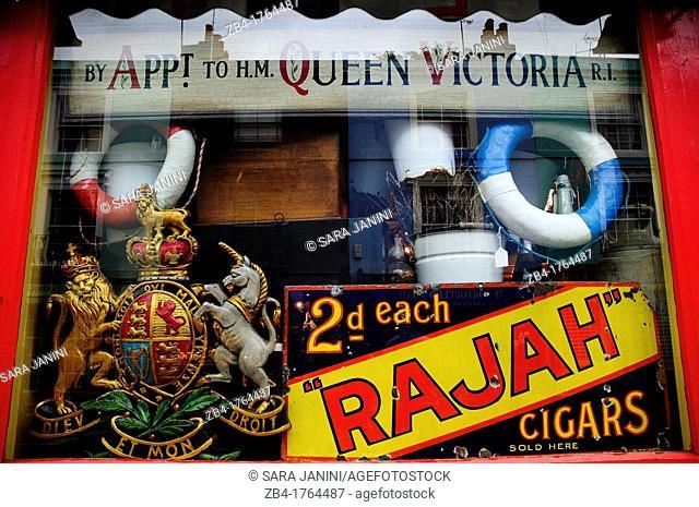 Antique shop in Portobello, Nothing Hill, London, England, UK, Europe