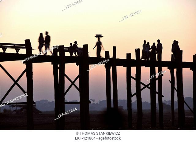At the U Bein bridge, Amarapura near Mandalay, Myanmar, Burma, Asia