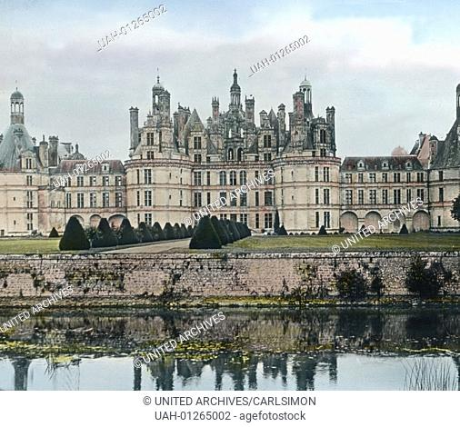 France, Loir-et-Cher departement, view to Chambord Castle ( Chateau de Chambord ), the largest castle in the Loire valley, image date: circa 1910
