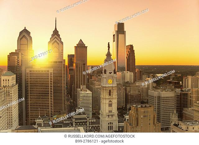 DOWNTOWN SKYLINE PHILADELPHIA PENNSYLVANIA USA