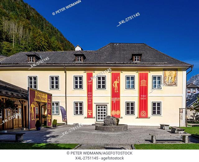 Museum in Hallstatt on Lake Hallstatt, UNESCO World Heritage Site, Salzkammergut, Alps, Upper Austria, Austria, Europe
