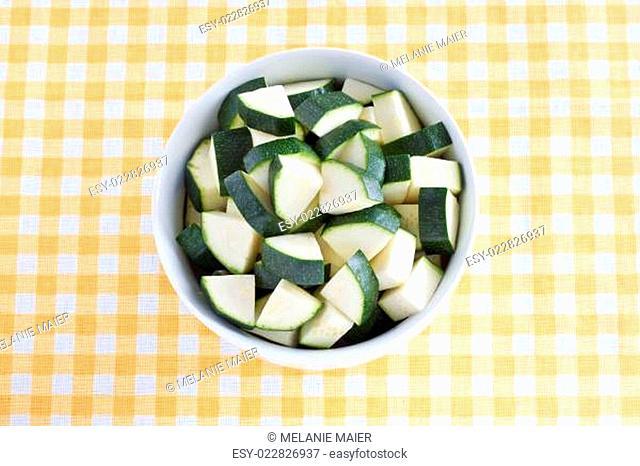 Zucchinistücke