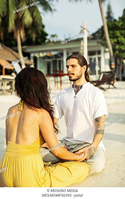 Thailand, Koh Phangan, couple practising eye gazing