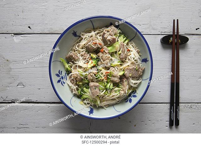 Pork, noodles, broccoli and chillis (Asia)