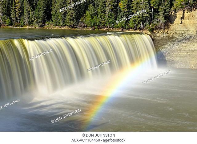 Lady Evelyn Falls on the Kakisa River, Lady Evelyn Falls Territorial Park, Kakisa, Northwest Territories, Canada