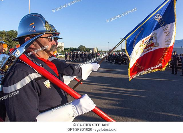 FLAG OF THE COLOR GUARD, 121ST NATIONAL FRENCH FIREFIGHTERS CONGRESS, AVIGNON, VAUCLUSE (84), FRANCE