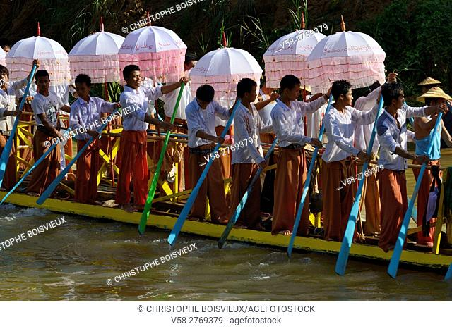 Myanmar, Shan State, Inle Lake festival, Leg rowers procession on the way to Yethar village