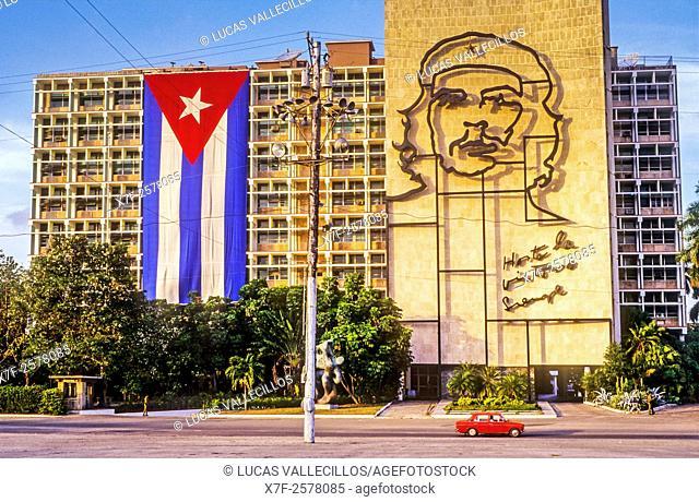 Ministry of Interior building with Che Guevara mural, Revolution Square, 'Plaza de la Revolucion', La Habana, Cuba