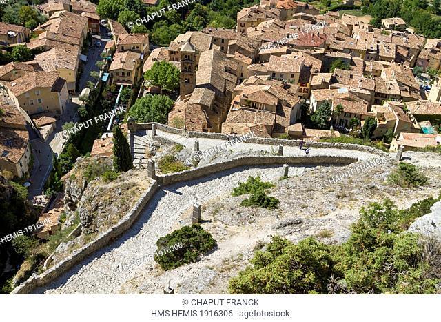 France, Alpes de Haute Provence, Parc Naturel Regional du Verdon (Natural Regional Park of Verdon), Moustiers Sainte Marie