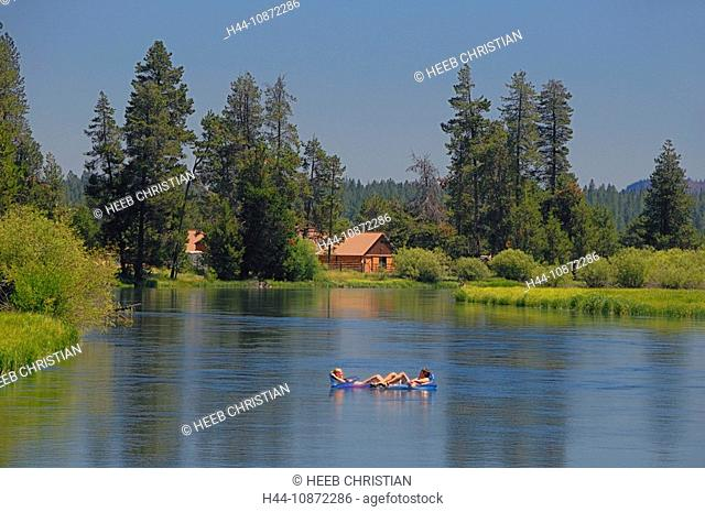 Floating on the the Deschutes River, Bend, Central Oregon, Oregon, USA